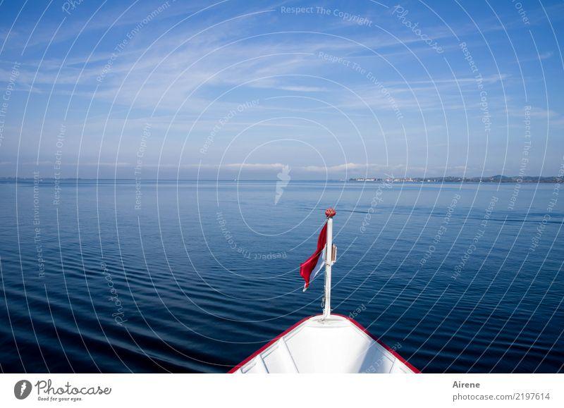 in See stechen Ausflug Wasser Himmel Schönes Wetter Küste Bodensee Österreich Schifffahrt Binnenschifffahrt Passagierschiff Fähre Schilder & Markierungen Fahne