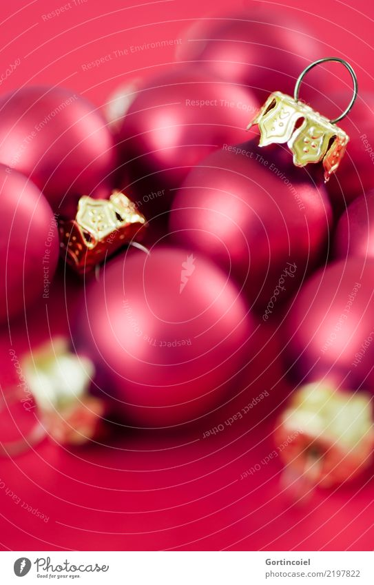 Baumschmuck Dekoration & Verzierung Kitsch Krimskrams gold rot Christbaumkugel Weihnachtsdekoration Weihnachten & Advent Farbfoto Studioaufnahme Nahaufnahme