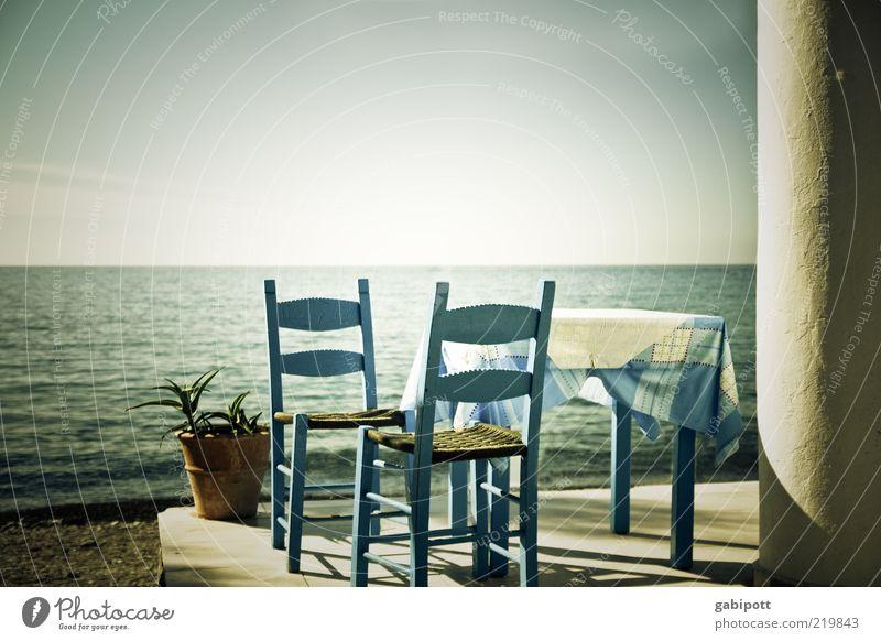 Frühstück am Meer Sonne Meer blau Sommer Strand Ferien & Urlaub & Reisen Ferne Erholung Freiheit Zufriedenheit Horizont Tisch Tourismus Griechenland Stuhl einzigartig