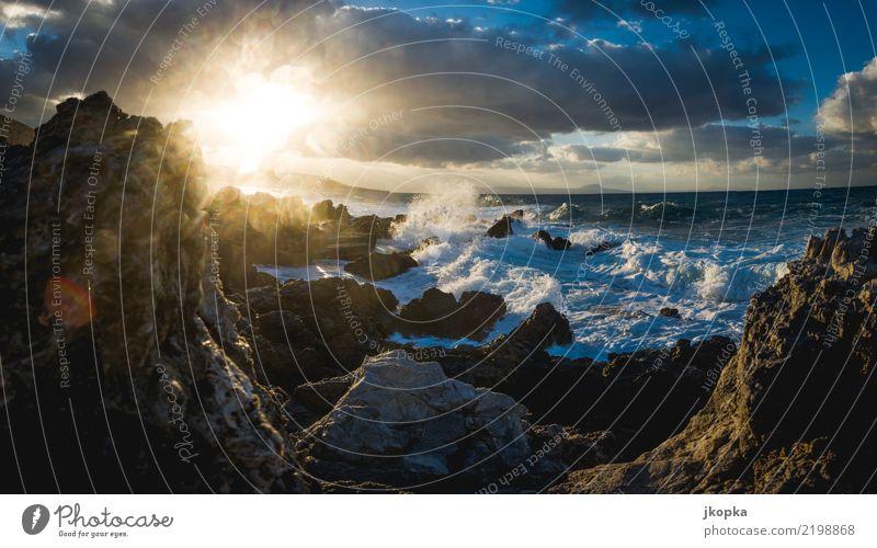 Brandung auf Kreta im Sonnenuntergang Ferien & Urlaub & Reisen Wasser Landschaft Meer Wolken Ferne Küste wild Wetter Wellen Wind Europa Insel Abenteuer