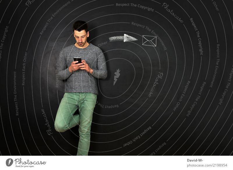 Nachricht verschicken Mensch Mann Erwachsene Leben Lifestyle sprechen Stil Business Schule Freizeit & Hobby maskulin Technik & Technologie Telekommunikation