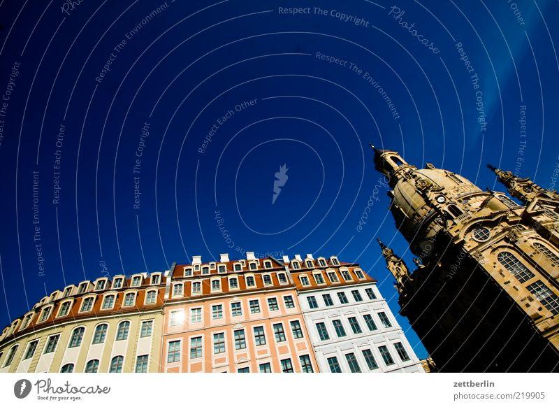 Disneykirche Dresden Stadt Sommer Haus Fenster Architektur Gebäude Fassade Kirche Bauwerk Denkmal historisch Wahrzeichen Schönes Wetter Hauptstadt