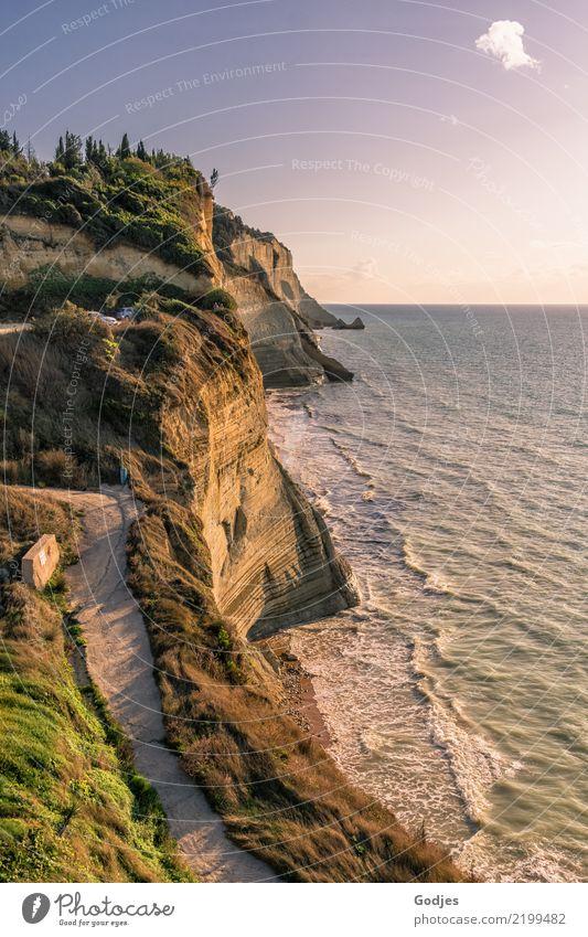 Klippe von Logas Beach Natur Landschaft Wasser Himmel Wolken Horizont Sommer Baum Gras Sträucher Felsen Küste Meer Korfu Ferien & Urlaub & Reisen Blick