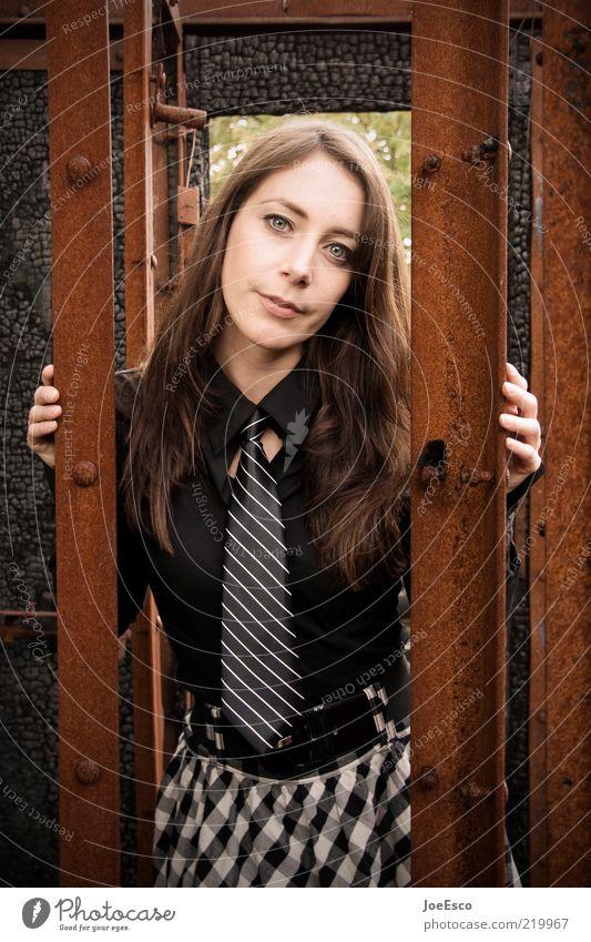 #219967 Lifestyle elegant Stil Freizeit & Hobby Frau Erwachsene Leben Mensch Mode Hemd Kleid Krawatte langhaarig beobachten festhalten Blick träumen Coolness