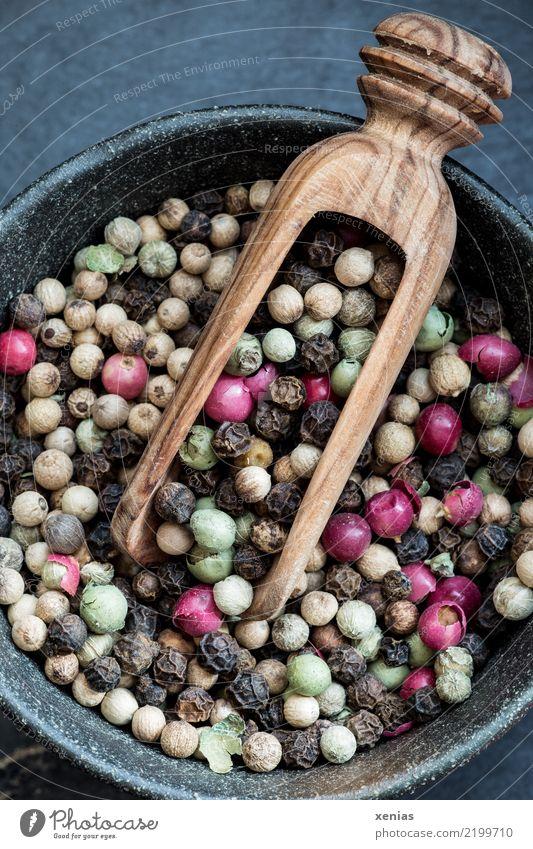 bunte Pfeffermischung Lebensmittel Kräuter & Gewürze Pfefferkörner rosa Beeren weisser Pfeffer schwarzer Pfeffer grüner Pfeffer Ernährung Bioprodukte