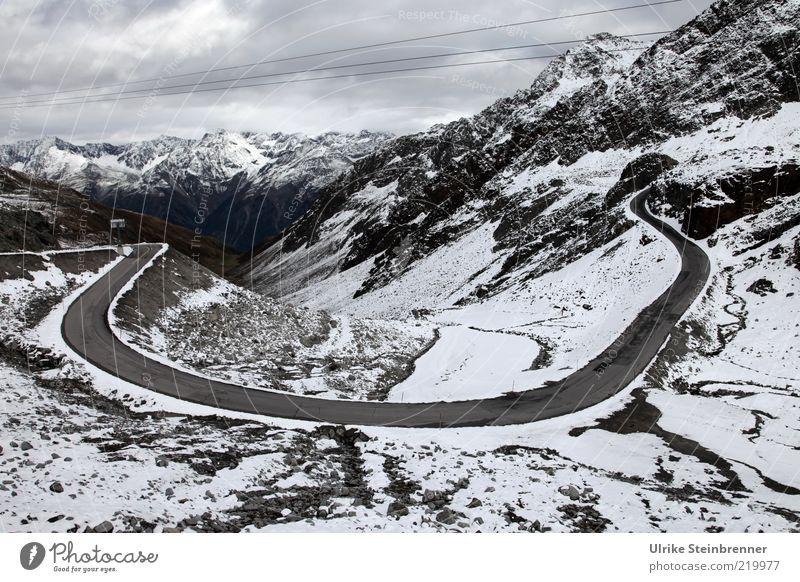 U Pass Straße Wende Kurve Rettenbachferner Gletscher Alpen Berge u. Gebirge Schnee Höhe Serpentinen Ötztal Österreich Gipfel Felsen Neuschnee hoch Wolken weiß