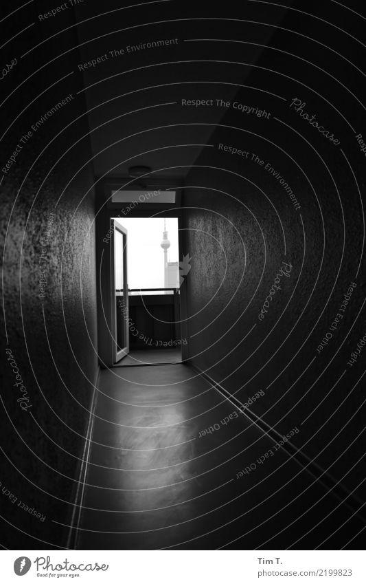 Floor Berliner Fernsehturm Berlin-Mitte Stadt Hauptstadt Stadtzentrum Menschenleer Haus Bauwerk Balkon Fenster Tür Flur Sehenswürdigkeit stagnierend