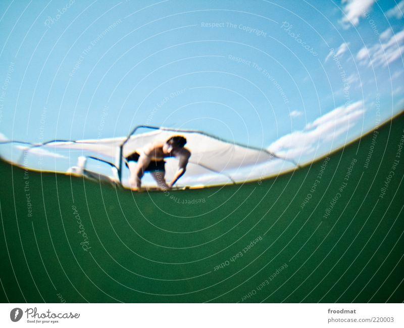 anlauf Mann Jugendliche Wasser Sommer Wolken ruhig Erholung Erwachsene See Freizeit & Hobby warten nass Schwimmen & Baden maskulin trashig türkis