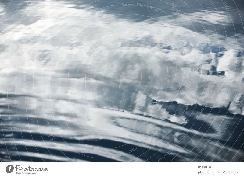 Wolke *700* Natur Urelemente Wasser Himmel Wolken Schönes Wetter Wellen Wasseroberfläche authentisch außergewöhnlich Coolness fantastisch frisch kalt nass