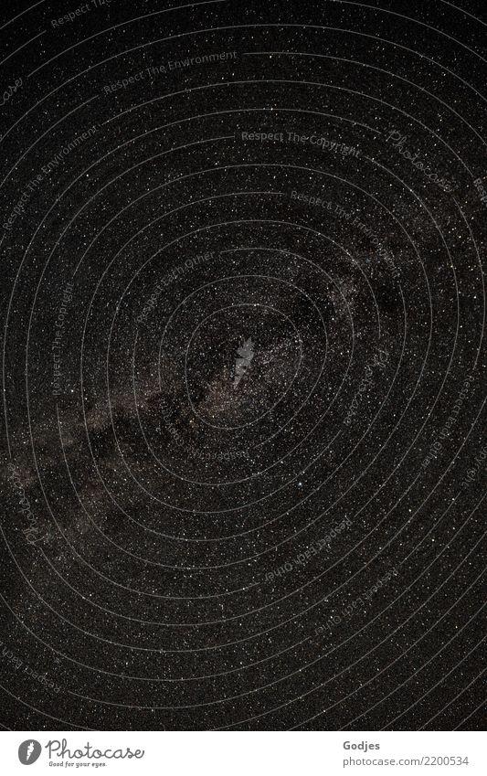 Milchstraße am Nachthimmel Natur nur Himmel Stern Sommer dunkel Unendlichkeit grau schwarz weiß Begeisterung Surrealismus träumen Vergänglichkeit Milchstrasse