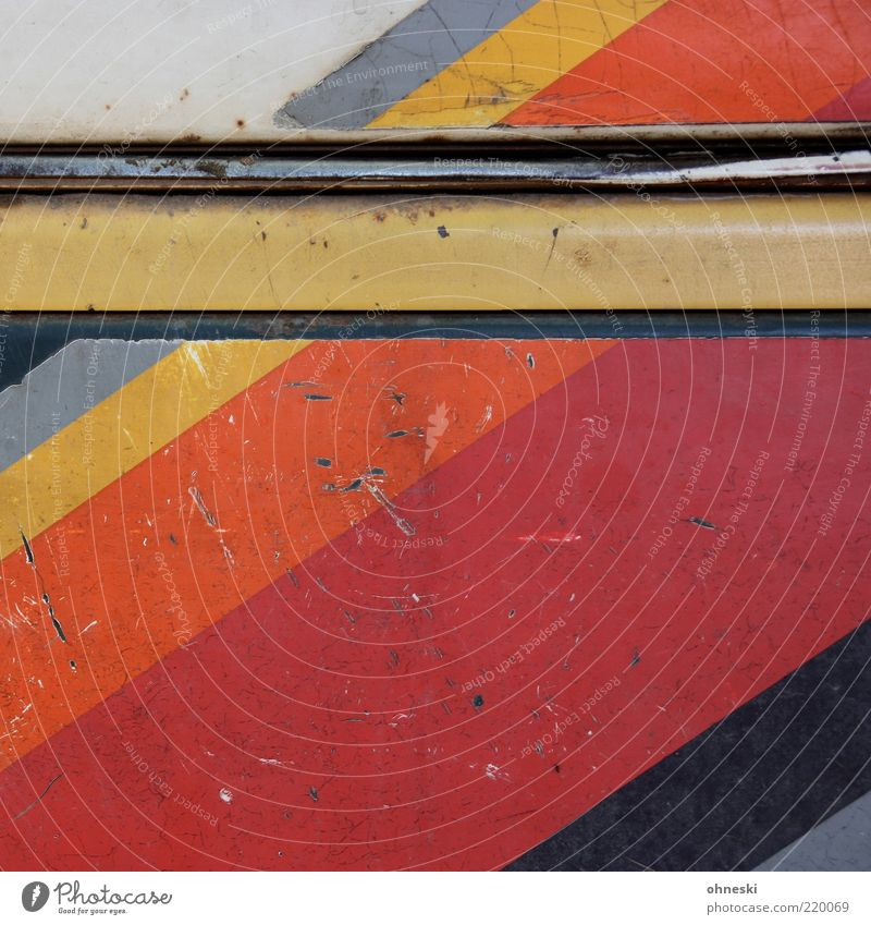 Gestreift Design Farbstoff Metall alt Verfall Zeit Streifen Farbfoto mehrfarbig abstrakt Muster Textfreiraum oben Rost lackiert gestreift Blech Menschenleer