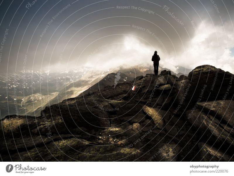 Himmel schwarz Wolken Einsamkeit Herbst Berge u. Gebirge träumen Landschaft Luft braun Wetter Felsen Erde Kommunizieren stehen Klettern