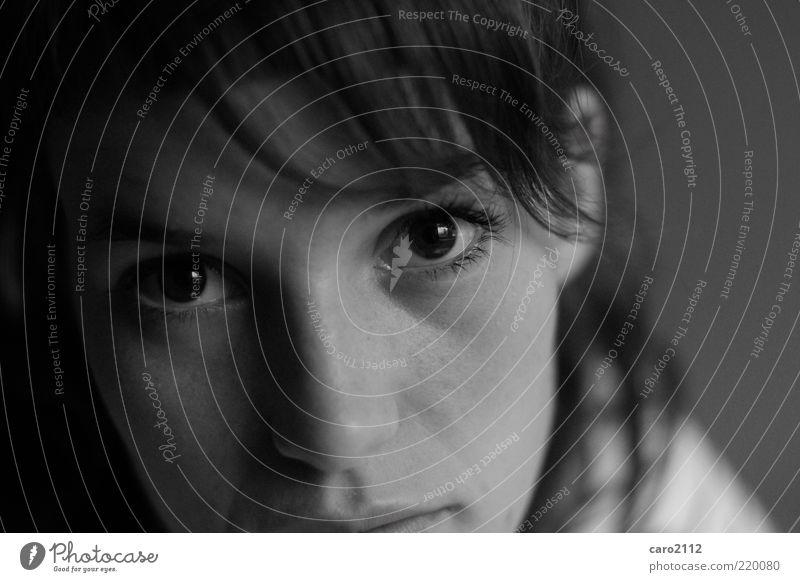 Augenblick Wimperntusche feminin Junge Frau Jugendliche Gesicht 1 Mensch 18-30 Jahre Erwachsene beobachten träumen Traurigkeit ästhetisch einfach Gefühle
