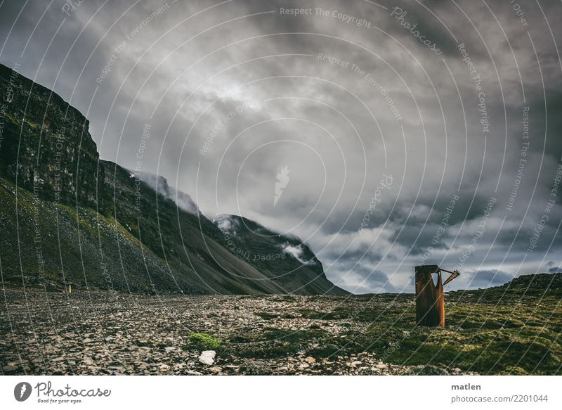 Heizkörper Natur Landschaft Himmel Wolken Frühling Wetter Wind Moos Felsen Berge u. Gebirge Küste Strand dunkel blau braun grau grün Island Westfjord