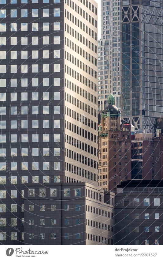 Die eingezwängten Alten 6 Ferien & Urlaub & Reisen Tourismus Ausflug Ferne Sightseeing Städtereise Hafenstadt Haus Hochhaus Bankgebäude Bauwerk Gebäude