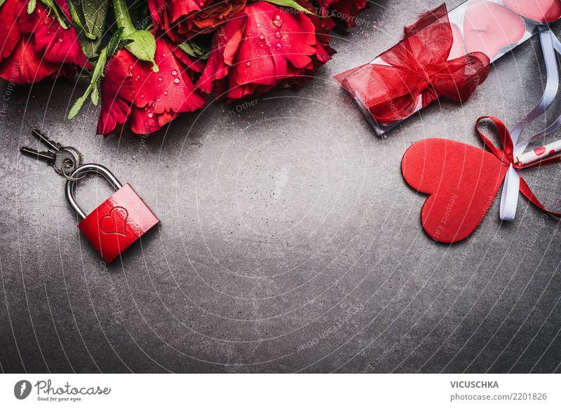 Rosen, Herz und rotes Schloss mit Schlüssel Stil Design Veranstaltung Feste & Feiern Valentinstag Blume Dekoration & Verzierung Blumenstrauß Liebe retro