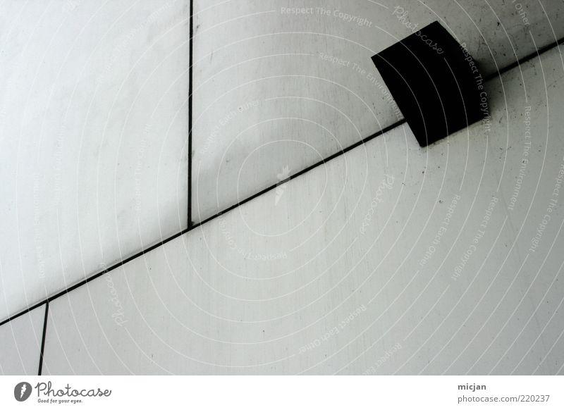They say | There are some times ... weiß schwarz Wand Mauer Linie hell Architektur Hintergrundbild Beton Fassade Perspektive modern Ordnung Bauwerk Lautsprecher