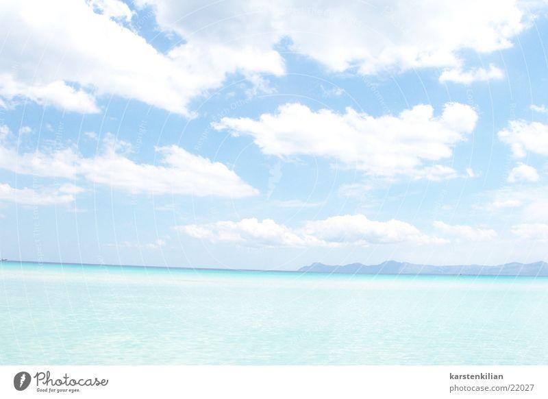 Meer Weitblick Wolken türkis schlechtes Wetter Physik Meerwasser Küste Ferne blau Wärme Starnd Blick Aussicht