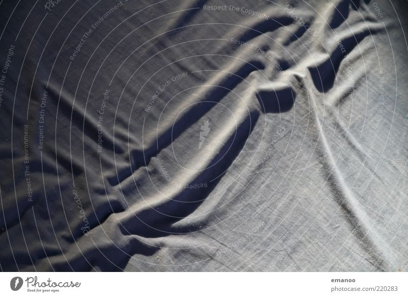 happy landing Linie Bett weich Falte abstrakt Decke Oberfläche Textilien Makroaufnahme Bettlaken Baumwolle Stoff Licht wellig Schlafmatratze Matten