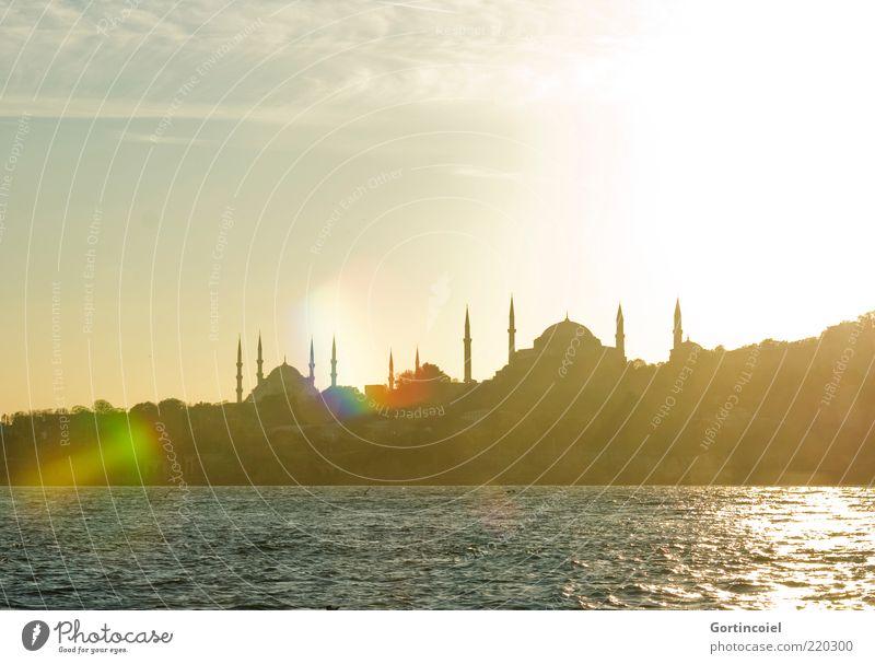 Abendsonne Meer Stadt Gebäude Küste Kirche Reisefotografie Skyline Bauwerk Türkei Sehenswürdigkeit Istanbul Kuppeldach Blendenfleck Blaue Moschee Minarett