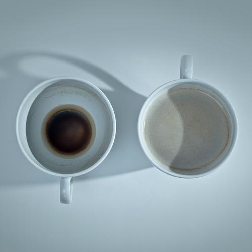 OFF-ON Heißgetränk Kaffee Tasse dreckig Durst Wandel & Veränderung Kaffeetasse nebeneinander leer voll alt neu frisch ein-aus oben Nachschlag Schaum Crema