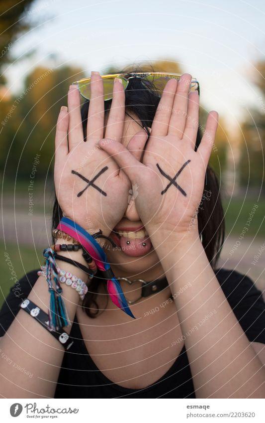 Emo Mädchen Lifestyle Freude Gesundheitswesen Mensch feminin Junge Frau Jugendliche Erwachsene 13-18 Jahre 18-30 Jahre Accessoire Schmuck Gefühle Glück