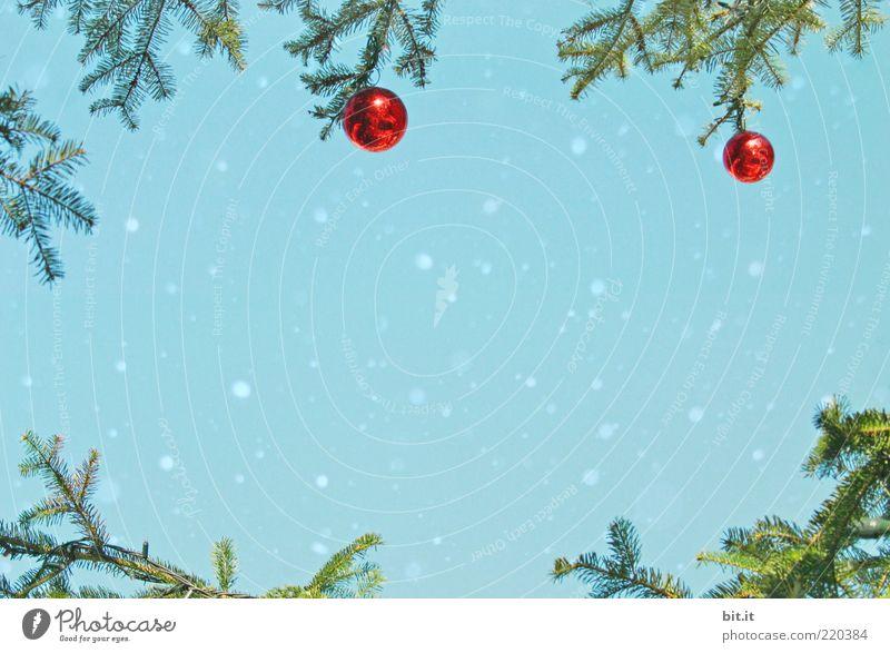 Schneeflöckchen... (IV) Natur Weihnachten & Advent Himmel blau rot Winter Schneefall Stimmung glänzend Design Kitsch Dekoration & Verzierung Kultur fallen