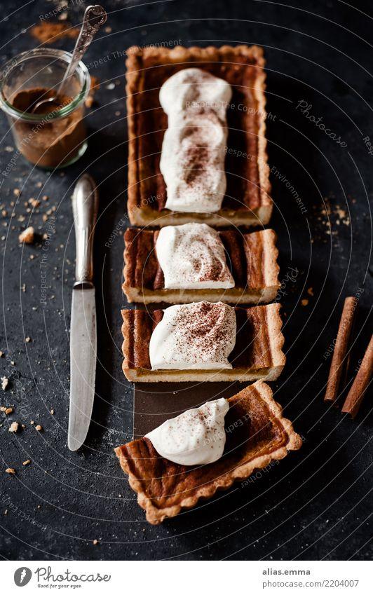Pumpkin-Pie Gesunde Ernährung dunkel Speise Foodfotografie Essen Herbst Lebensmittel genießen Kräuter & Gewürze lecker Jahreszeiten Kuchen Backwaren