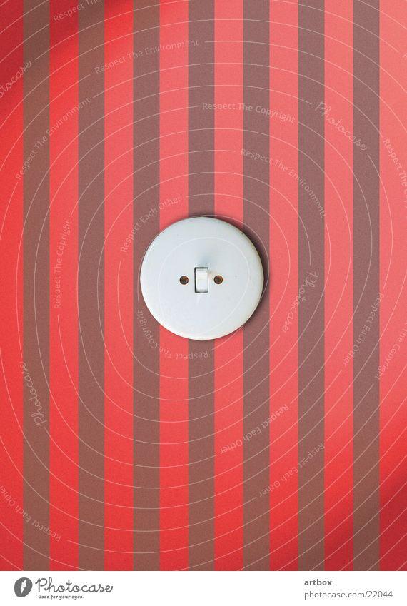 Licht an! Lichtschalter Schalter retro Streifen aktivieren Elektrizität Tapete Elektromonteur elektrisch Häusliches Leben knips nase hoch jetzt geht's los