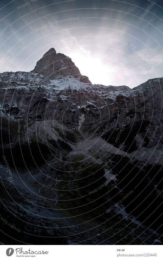 Selig ist der, welcher den Gipfel erklimmt. Wolkenloser Himmel Sommer Winter Schönes Wetter Schnee Alpen Berge u. Gebirge Karwendelgebirge Lamsenspitze Pertisau