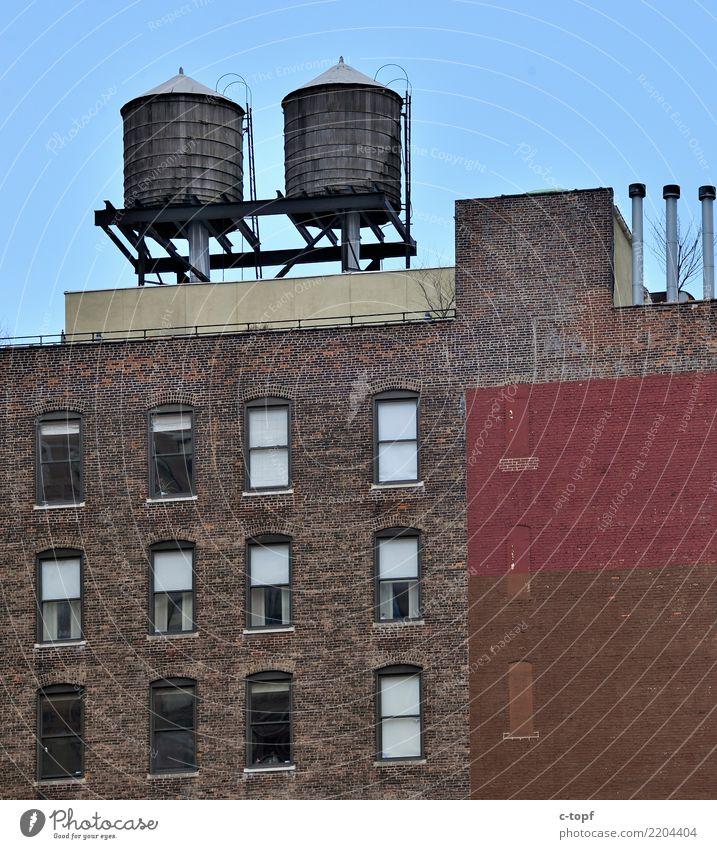 Brooklyn Twin Towers alt Stadt rot Architektur Wand Lifestyle Kunst Mauer braun Fassade retro Hochhaus ästhetisch trist USA Dach