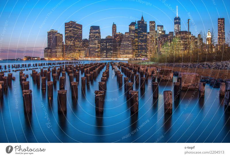Manhattan by Night Ferien & Urlaub & Reisen Stadt schön Architektur Freiheit Design Hochhaus elegant Romantik Zeichen Macht Sehenswürdigkeit Skyline Wahrzeichen