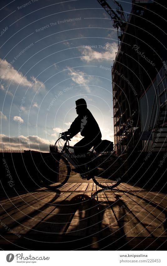 wenn die sonne wieder scheint Bewegung Holz Fahrrad fahren Fahrradfahren Steg unterwegs