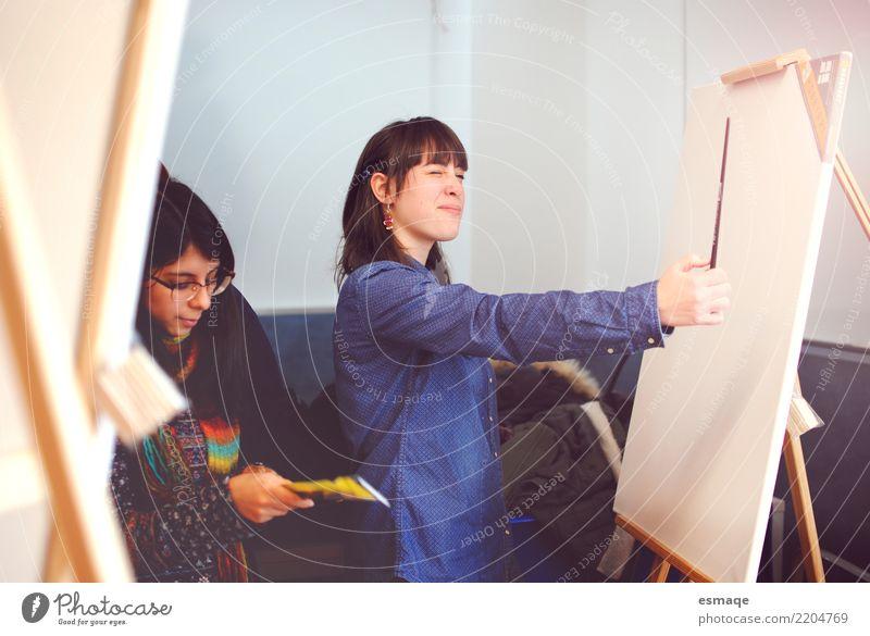 Schulkünste Jugendliche Junge Frau Lifestyle feminin Kunst Schule Design Kultur beobachten Gemälde zeichnen Beratung Künstler