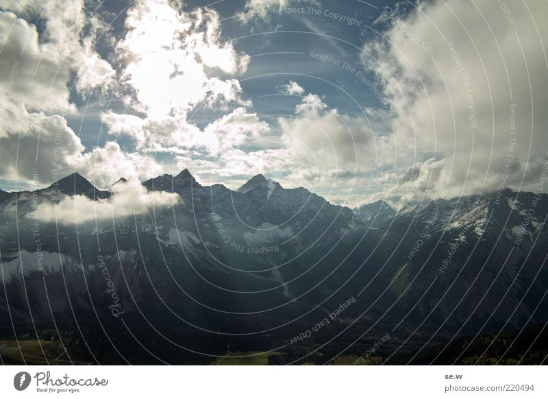 Bergblick ..... | Karwendel [6] Himmel Wolken Sommer Schönes Wetter Alpen Berge u. Gebirge Karwendelgebirge Kalkalpen Gipfel leuchten blau schwarz weiß ruhig