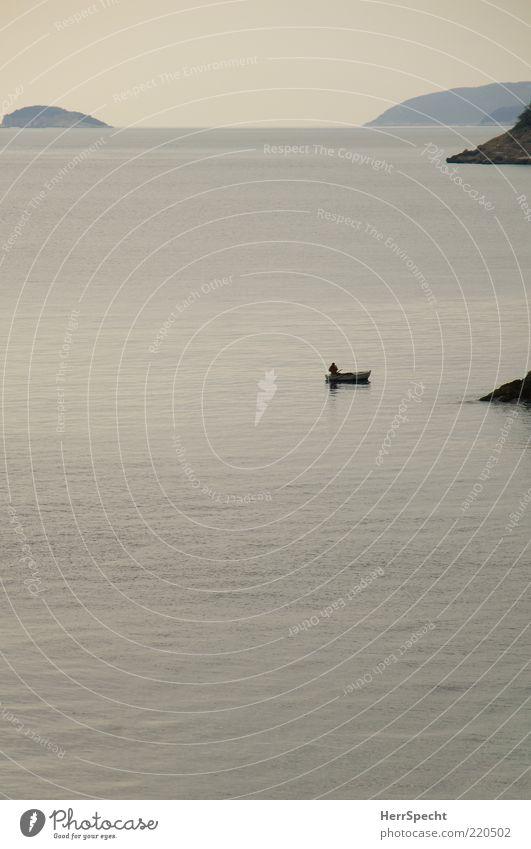 Fischers Fritze Angeln Himmel Küste Meer Mittelmeer Adria Fischerboot ästhetisch schön blau grau Zufriedenheit Einsamkeit Erholung Freiheit Frieden Natur rein