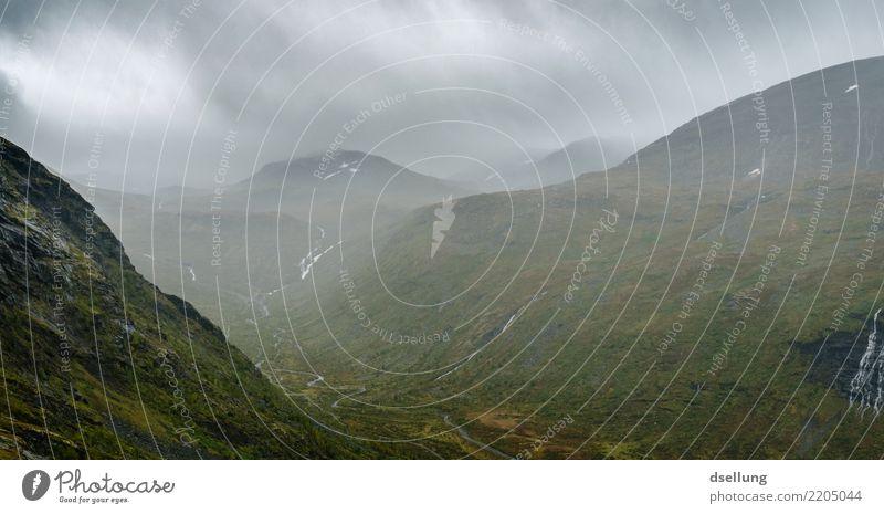 Grüne Berge bei schlechtem Wetter Ferien & Urlaub & Reisen Abenteuer Berge u. Gebirge wandern Natur Landschaft Himmel Wolken Frühling Sommer Herbst