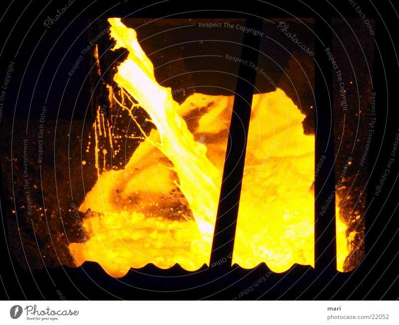 flüssiger Stahl Industrie heiß Flüssigkeit Stahlwerk glühend