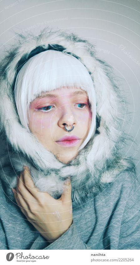 Künstlerisches Porträt einer Frau mit Winterkleidung Lifestyle Stil schön Haut Gesicht Schminke Gesundheitswesen Mensch feminin Junge Frau Jugendliche 1