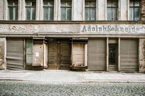verblühte Landschaft Görlitz Altstadt Ruine Fassade Fenster Tür Armut Endzeitstimmung kaufen Konkurrenz Misserfolg Verfall Vergangenheit Vergänglichkeit