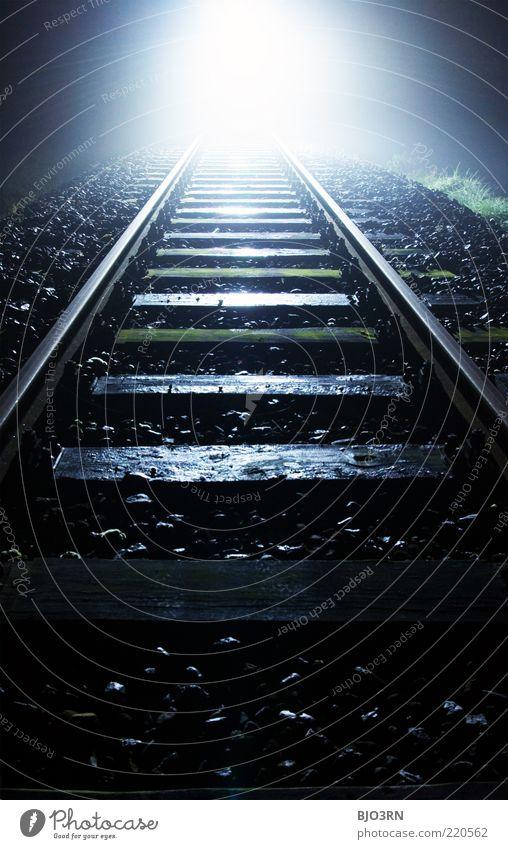 oncoming... | train tracks weiß schwarz Einsamkeit dunkel Tod Holz Metall Angst Trauer nah bedrohlich Ende Gleise gruselig Schmerz Tunnel