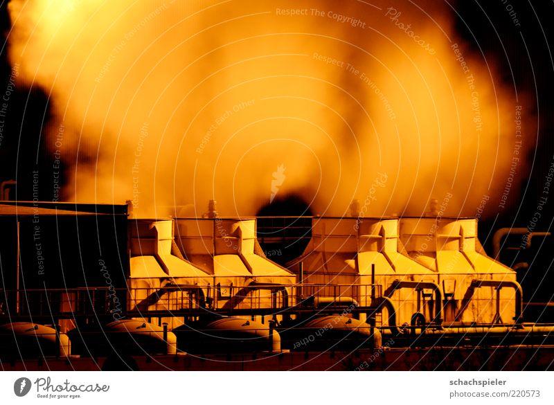 Mal Dampf ablassen Umwelt Industrie Fabrik Rauch Röhren Scheinwerfer Wasserdampf Industrieanlage Umweltverschmutzung Nachtaufnahme Nacht Bewegungsunschärfe Kessel Stahlwerk