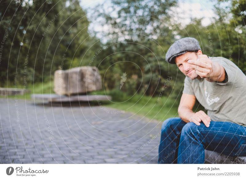 Stinkefinger maskulin Mann Erwachsene Finger 1 Mensch 30-45 Jahre Gefühle Stimmung Wahrheit Liebeskummer Enttäuschung Stress Unglaube Ungerechtigkeit betrügen