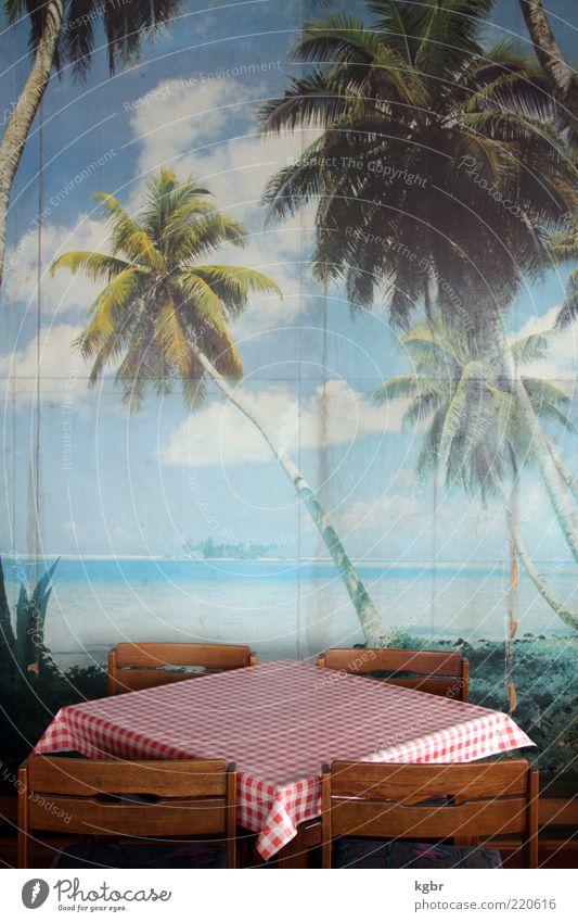 Karibikträume blau rot Strand Wand Mauer Tisch leer Perspektive Hoffnung retro trist Tourismus Stuhl Gastronomie Sehnsucht Tapete