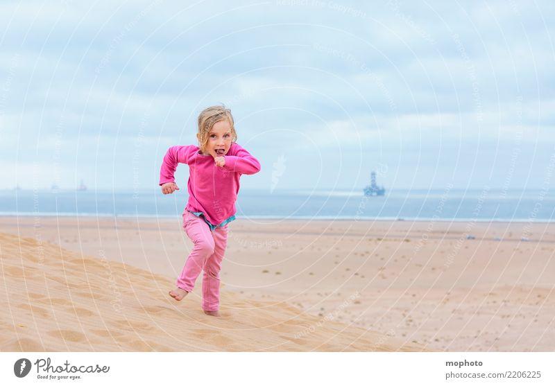 Sandbox Desert #4 Kind Mensch Natur Ferien & Urlaub & Reisen Landschaft Freude Mädchen Strand Leben Lifestyle Glück Spielen Freiheit rosa Kindheit