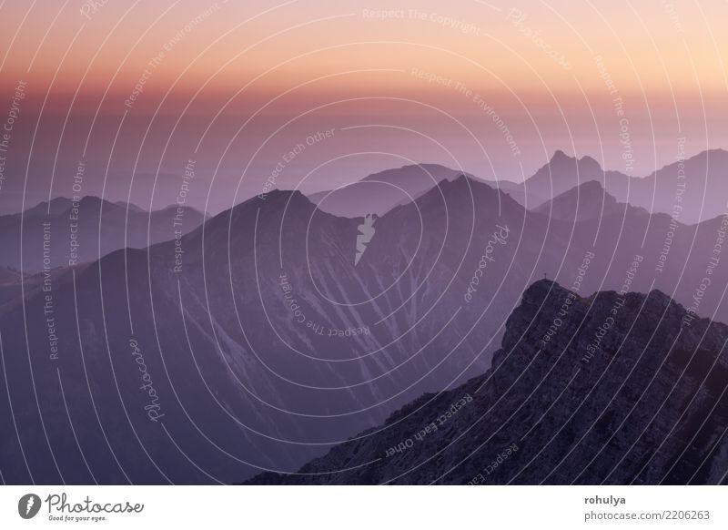Kleiner Daumen mountain top in dusk Berge u. Gebirge Natur Landschaft Luft Himmel Sonnenaufgang Sonnenuntergang Sommer Schönes Wetter Felsen Alpen Gipfel blau
