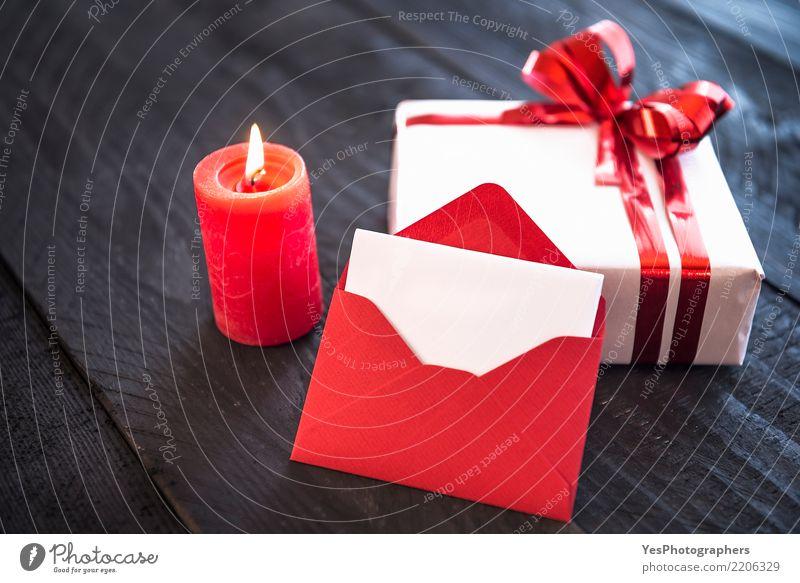 Brennende Kerze und leerer Brief elegant Handarbeit Feste & Feiern Silvester u. Neujahr Geburtstag Paket niedlich Überraschung Kerzenschein Weihnachten stilvoll