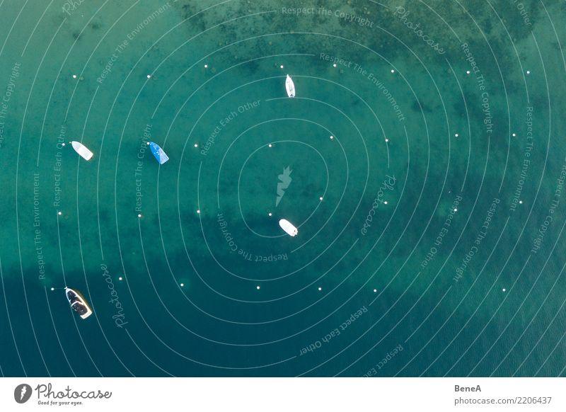 Boote ankern in türkisblauem Wasser von oben Reichtum Erholung Freizeit & Hobby Ferien & Urlaub & Reisen Tourismus Ausflug Ferne Sommer Sommerurlaub Sonne