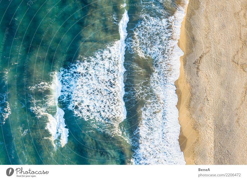 Wellen und türkises Meer am Sand Strand von oben exotisch Glück Erholung ruhig Schwimmen & Baden Ferien & Urlaub & Reisen Tourismus Ausflug Ferne Freiheit