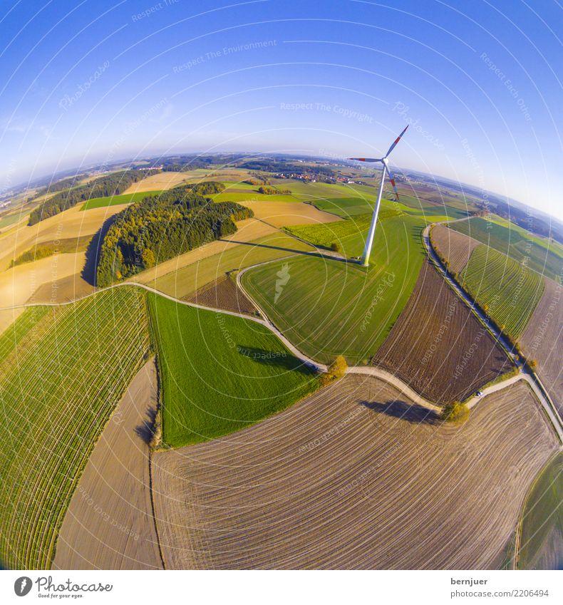 Ein Männlein steht im Walde blau grün Baum Landschaft Straße Umwelt Herbst Wege & Pfade Gras braun Feld Erde modern Energiewirtschaft Technik & Technologie